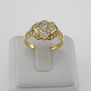 Ring mit Ct Diamanten, Ct 0,60 H Farbe - 18 Kt Gelbgold
