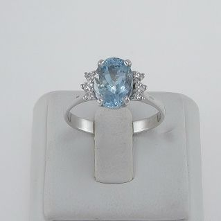 Ring with natural Aquamarine Ct 1,70 and Diamonds Ct 0,15 H VS, 750‰ white gold