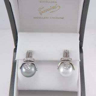 Boucles d'oreilles Perle d'Australie 13 mm Perle de Tahiti 13 mm Diamants, or blanc 18Kt