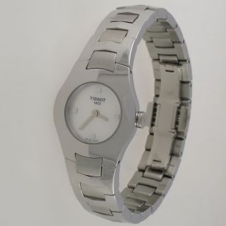 Reloj de senora TISSOT EVERYTIME, Caja acero inox, 6 mm fina, cristal zafiro