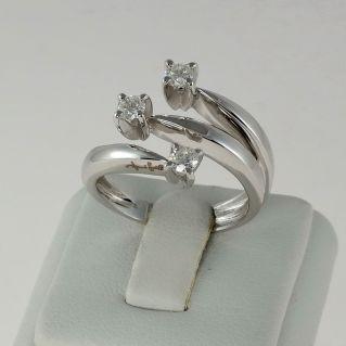 Anillo Trilogy GIANNI CARITA Diamantes Ct 0.45 G color, Oro blanco 18 Kt