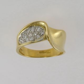 18 Kt yellow gold ring with natural Zircons pave