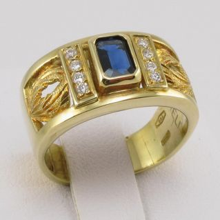 Band Ring - 0.65 Ct Central natural Sapphire and 0.13 Ct Diamonds