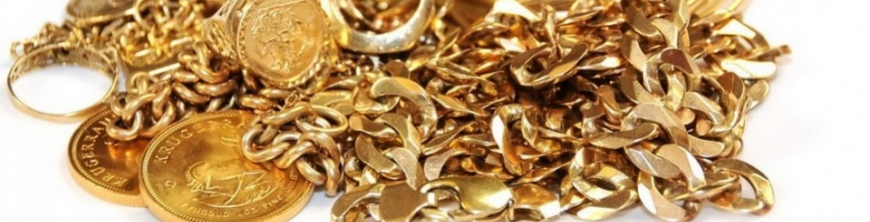 Clean and store gold jewelry